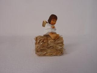 Engel sitzend gebeugt braun von Lotte Sievers-Hahn