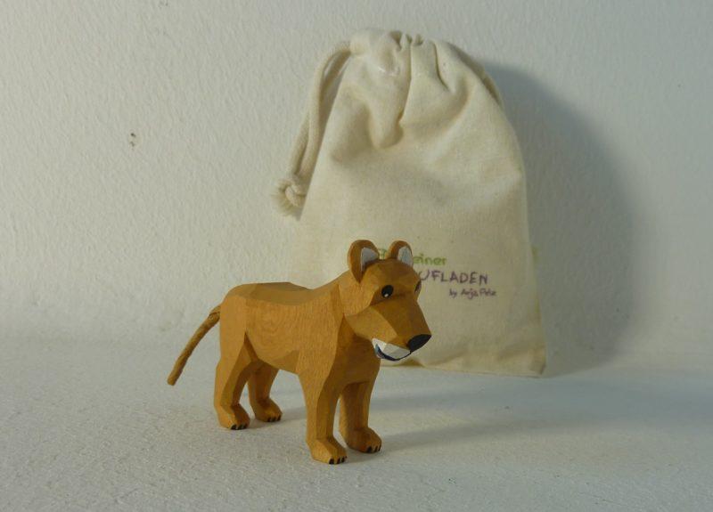 Löwen-Kind stehend von Lotte Sievers-Hahn