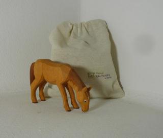 Pferd grasend von Lotte Sievers-Hahn