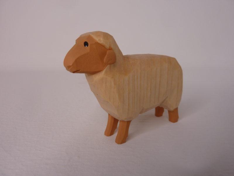 Schaf hell stehend von Lotte Sievers-Hahn