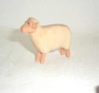 Schaf hell stehend